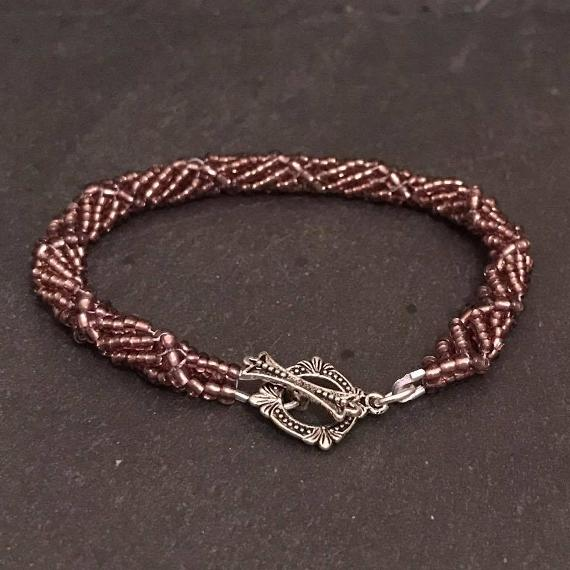A shorter version of spiral rope makes a highly wearable and comfortable bracelet.